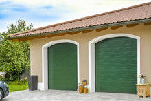 Einfamilienhaus Garagen